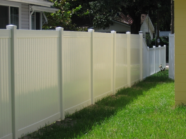 Vinyl Privacy Fence Tampa